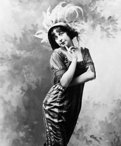 Ziegfeld publicity photo of Fannie Brice